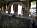 Top table balloon arch